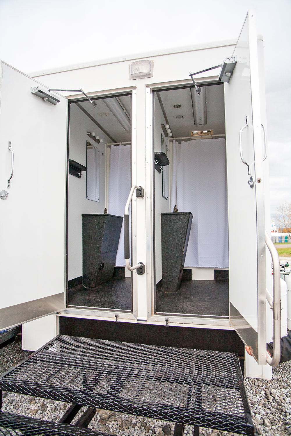 hut sani trailers shower trailer company inc large deluxe b showert